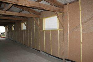 Isolation des murs en laine de bois