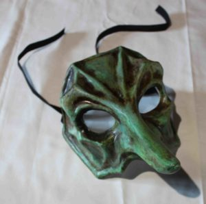 Masques du Duc de Nayme créé spécialement par un artiste vénitien Il canovaccio